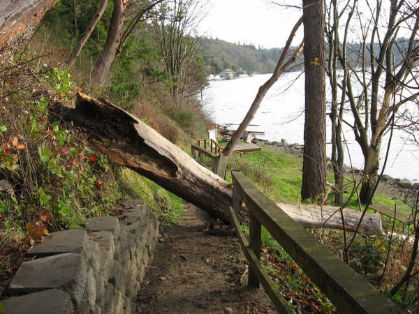 Damaged Railing Storm 12 2 2007